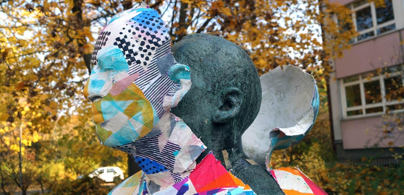 City Skins – Der lesende Arbeiter, Berlin 2015