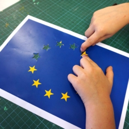 Fantasy flags (collage process), mural workshop – Refugee shelter Berlin-Hellersdorf / U5 / BENN