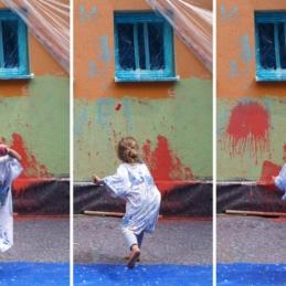 "Farbballons beim Wandbild-Workshop, Eltern-Kinder-Tagesstätte ""eene meene mopel"""