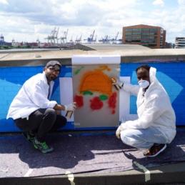 Street-Art-Workshop mit Geflüchteten in Zusammenarbeit mit Millerntor Gallery, Viva con Agua und Hanseatic Help, Hamburg 2016