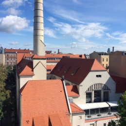 Hotel Stadtbad Oderberger Straße, gegenüber vom Wandbild