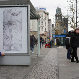 Various & Gould: Broken Screens, urbane Intervention, Berlin 2019