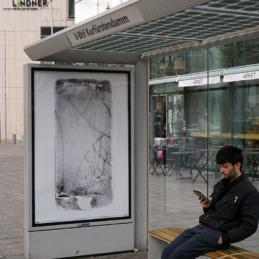 Various & Gould: Broken Screens, urbane Intervention, Berlin 2019